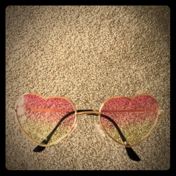 632025eda1 Cute Heart Shaped Ombré Sunglasses 😎. M 5ad3cf1b46aa7c364b750080